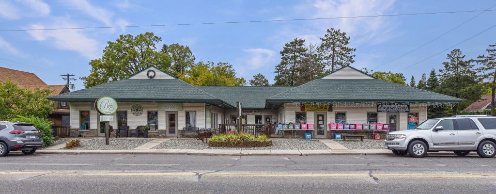 4450 Main Street Property Photo