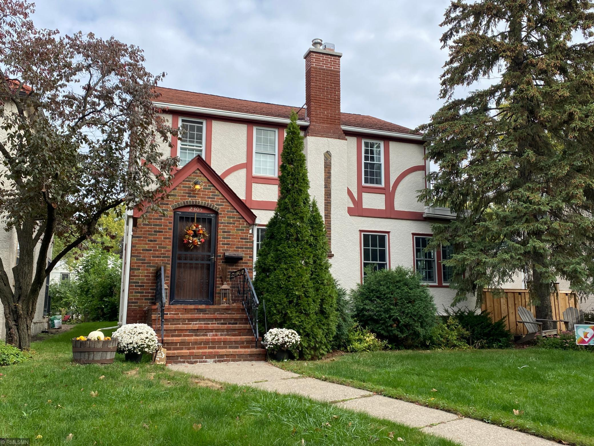 2305 Saint Anthony Parkway Property Photo - Minneapolis, MN real estate listing