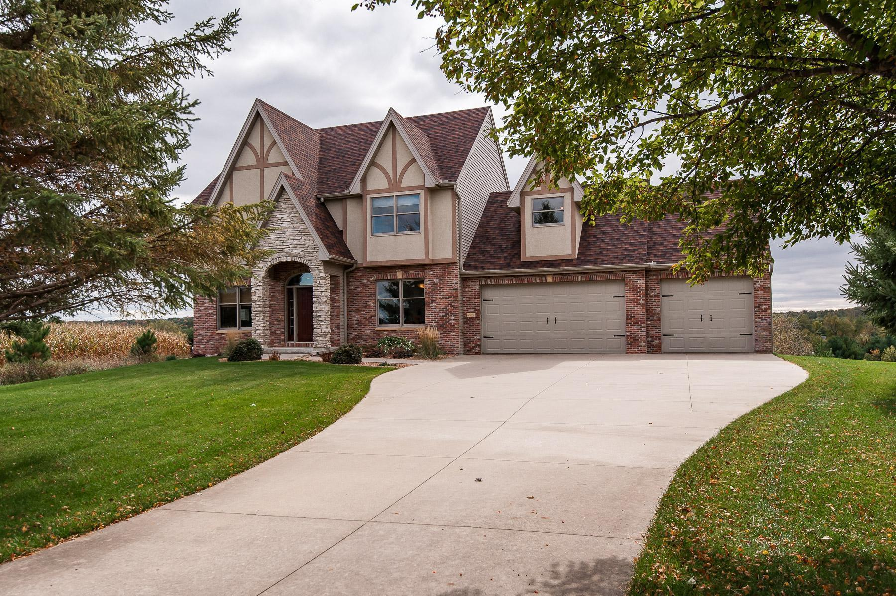 7771 Cedar Crest Lane NW Property Photo - Rochester, MN real estate listing
