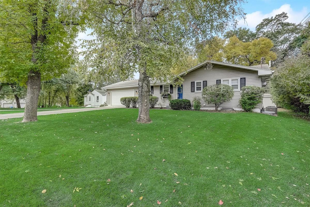 225 Jersey Avenue N Property Photo - Golden Valley, MN real estate listing