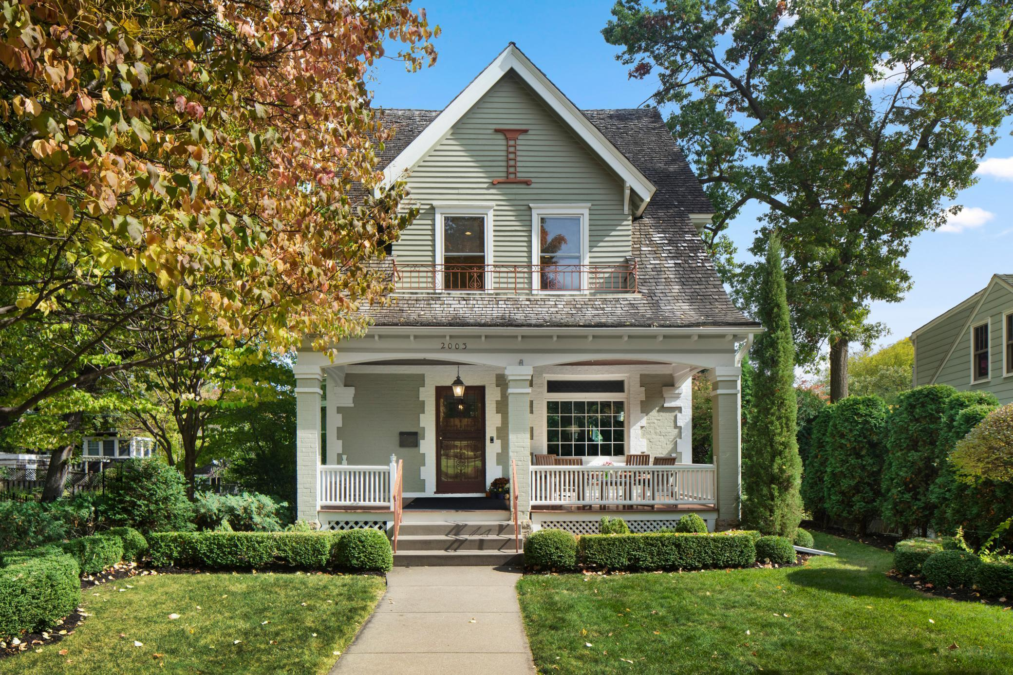 2003 Queen Avenue S Property Photo - Minneapolis, MN real estate listing