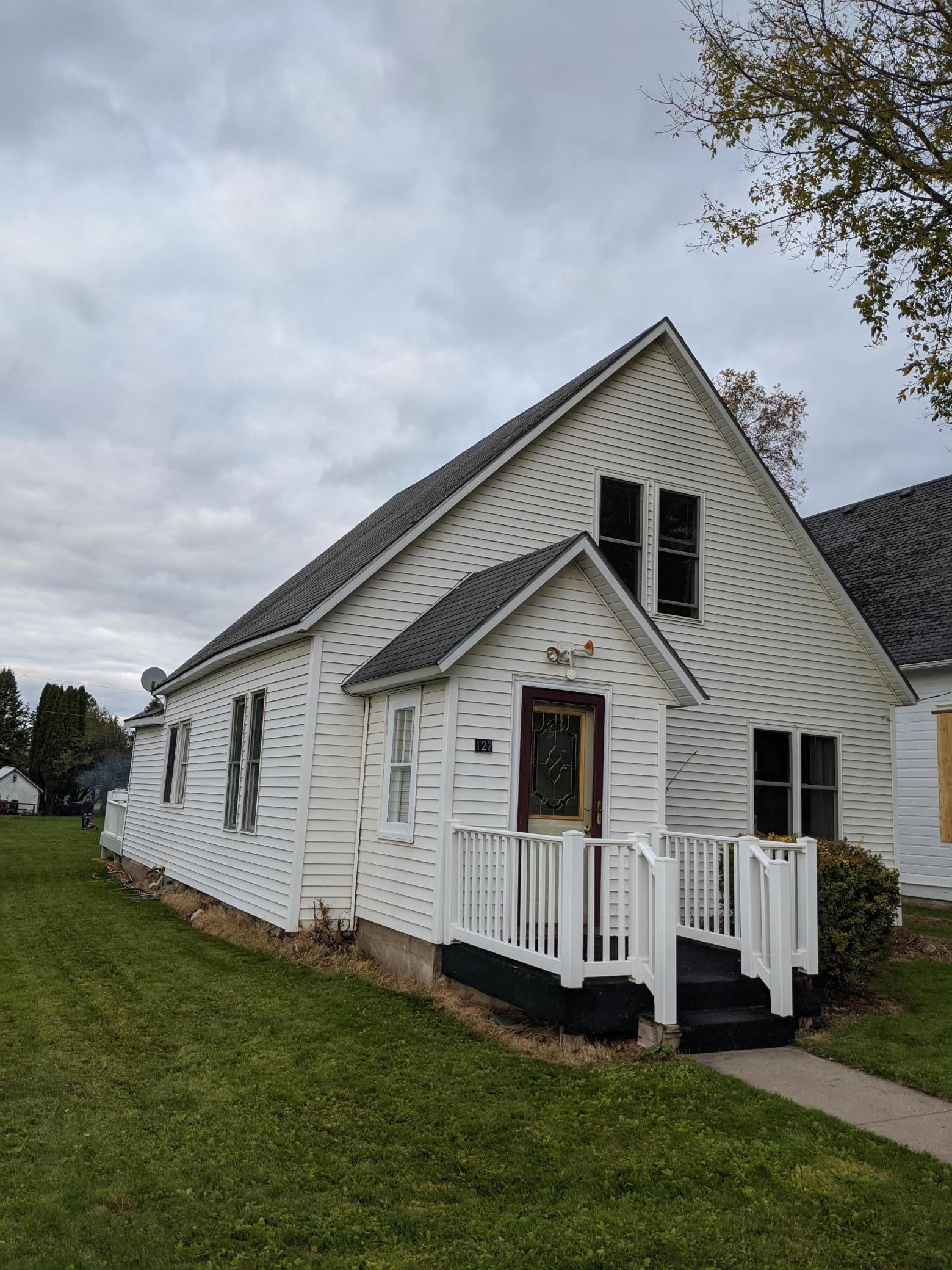 122 Lincoln Street E Property Photo - Burtrum, MN real estate listing