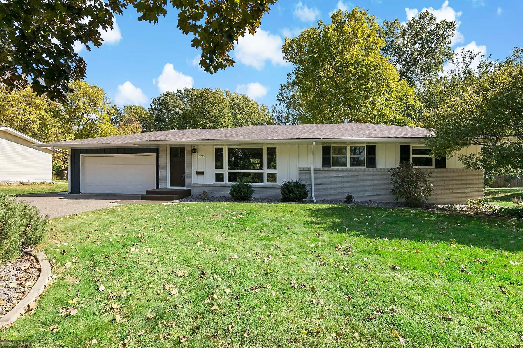 1676 Hampshire Lane N Property Photo - Golden Valley, MN real estate listing