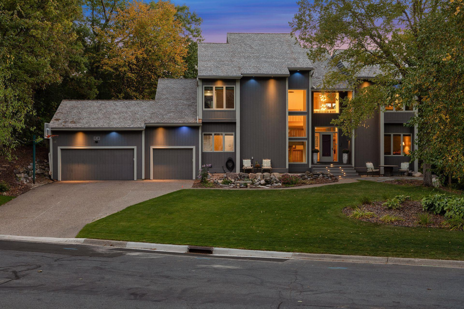 1517 Summit Oaks Court Property Photo - Burnsville, MN real estate listing
