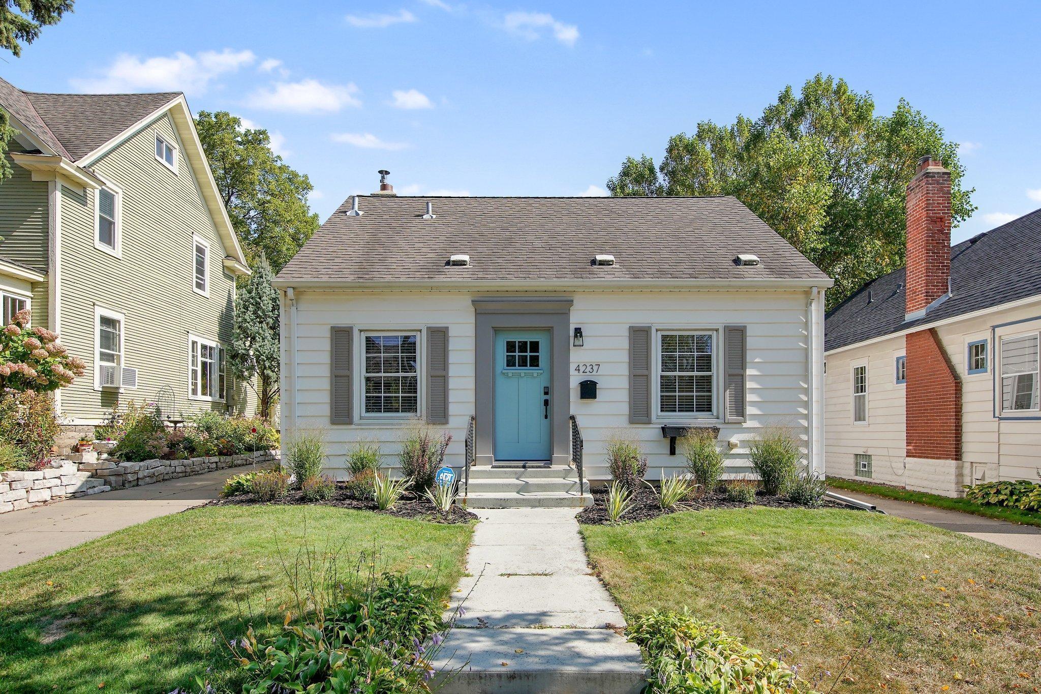 4237 Aldrich Avenue S Property Photo - Minneapolis, MN real estate listing