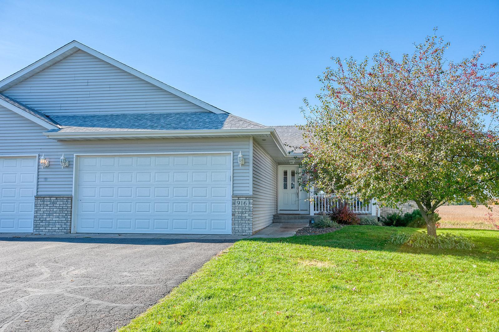 916 Shady Ridge Lane Property Photo - Braham, MN real estate listing