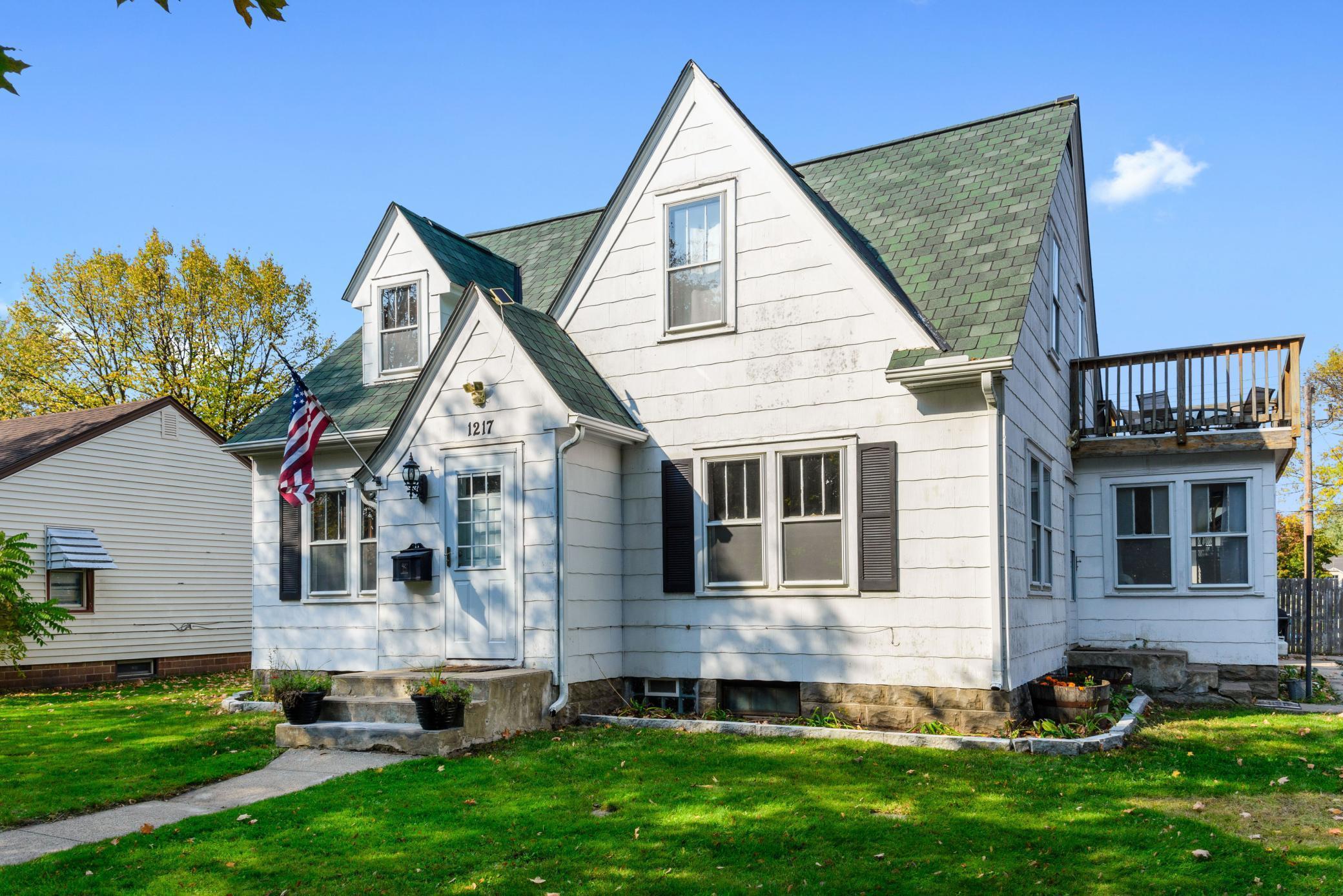 1217 13th Street E Property Photo - Glencoe, MN real estate listing