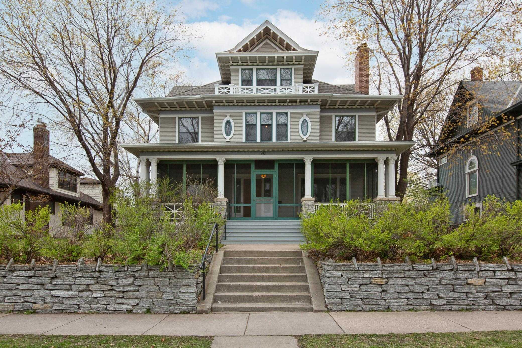 961 Lincoln Avenue Property Photo