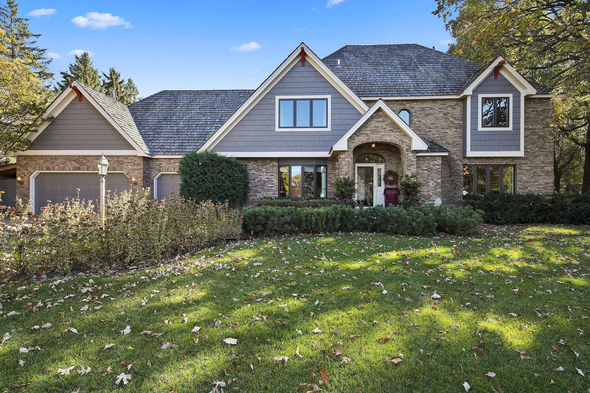 28 Blue Jay Lane Property Photo - North Oaks, MN real estate listing