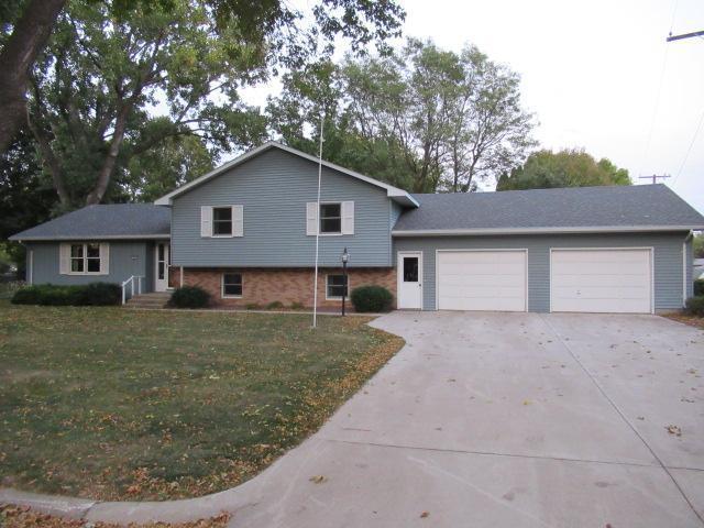 605 S Hemlock Street Property Photo - Lamberton, MN real estate listing