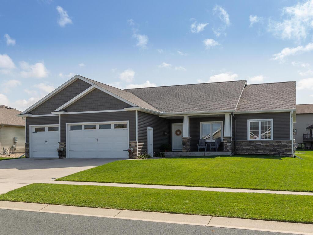 814 Beach Boulevard SE Property Photo - Stewartville, MN real estate listing