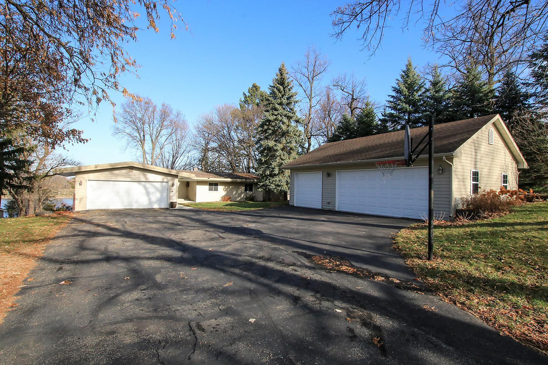 1005 Lewis Avenue SW Property Photo - Hutchinson, MN real estate listing