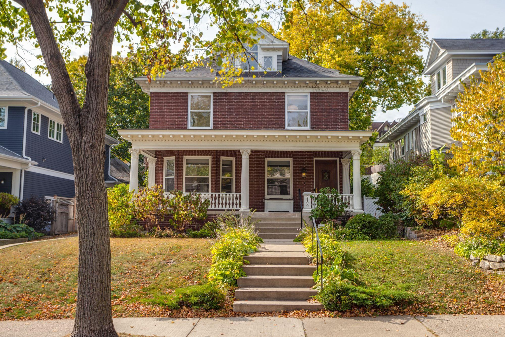 2100 Humboldt Avenue S Property Photo - Minneapolis, MN real estate listing