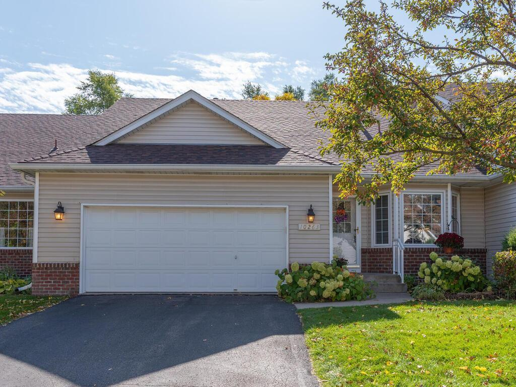 10263 Upton Place Property Photo - Bloomington, MN real estate listing