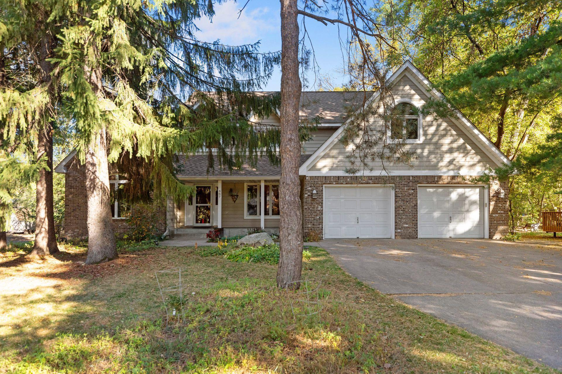 667 Sunset Court Property Photo - Shoreview, MN real estate listing