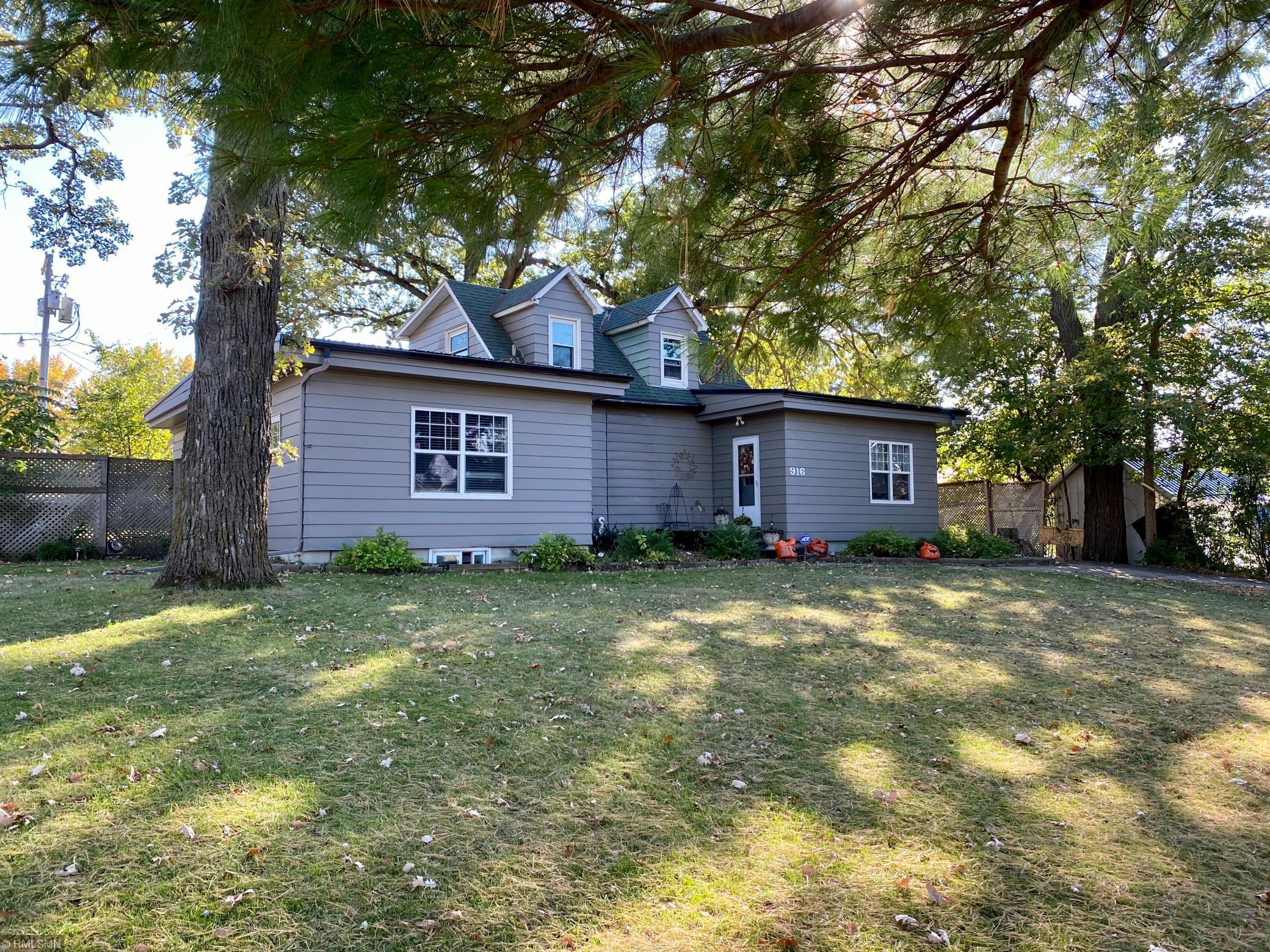 916 E 4th Street Property Photo - Blue Earth, MN real estate listing