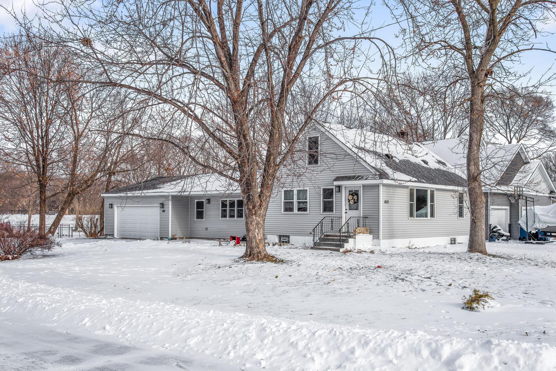 1513 10th Avenue Property Photo - Saint Paul Park, MN real estate listing