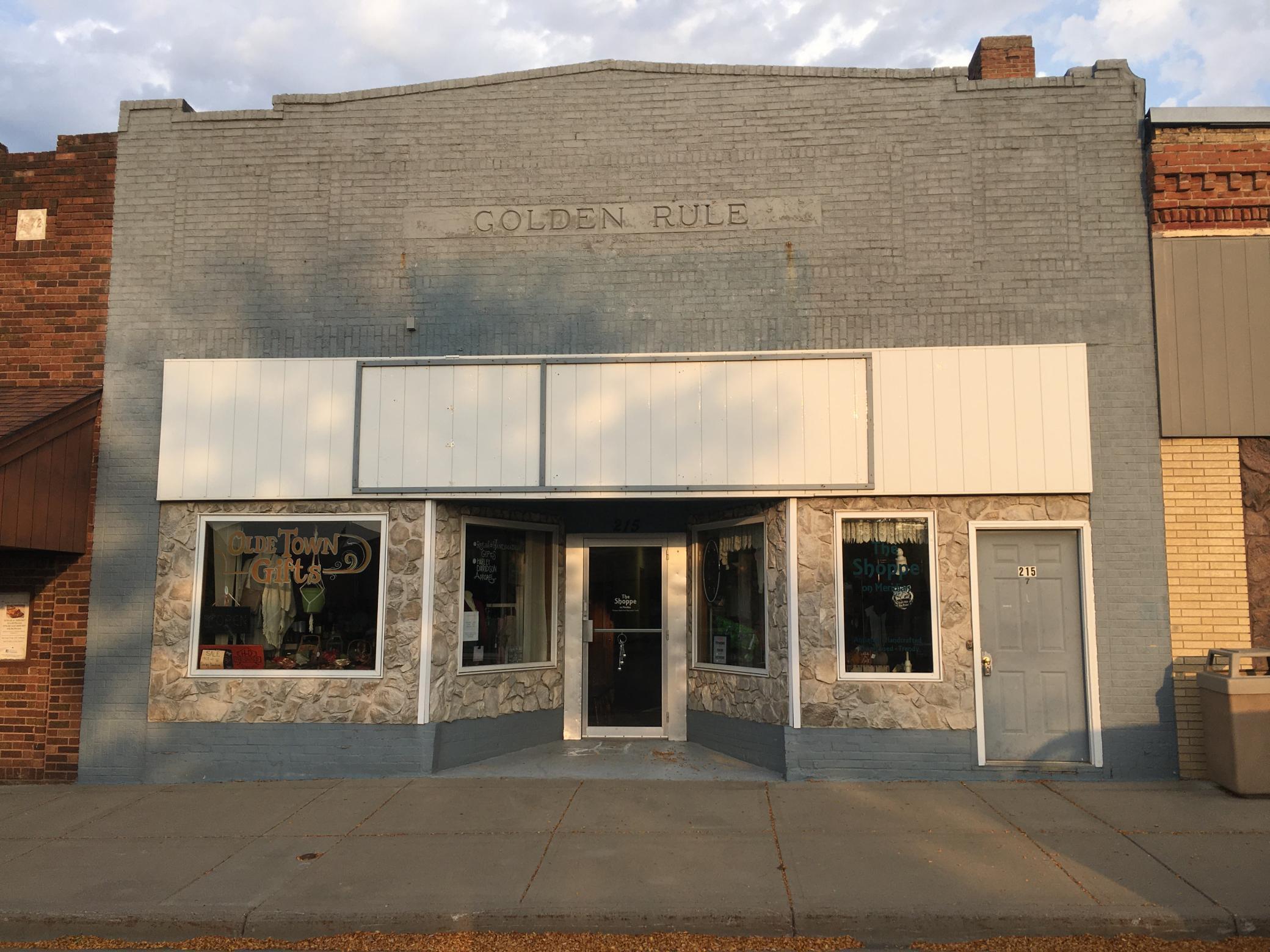 215 N Meridian Street Property Photo