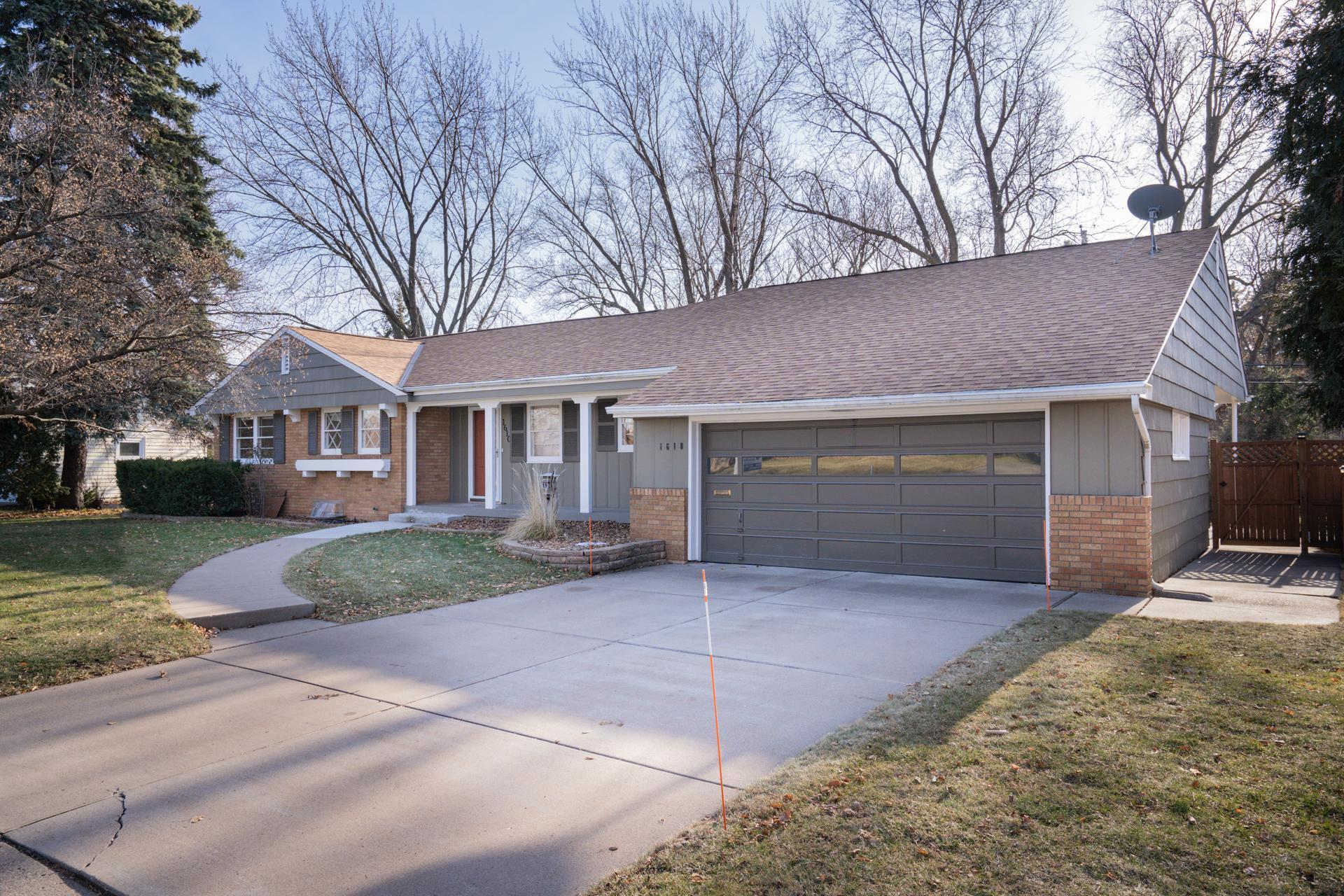 1610 Maple Knoll Drive Property Photo - Falcon Heights, MN real estate listing