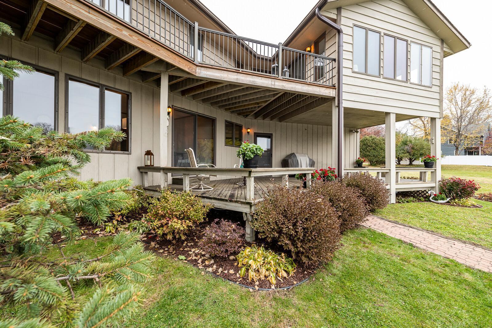 1618 Lake Johanna Boulevard Property Photo - Arden Hills, MN real estate listing