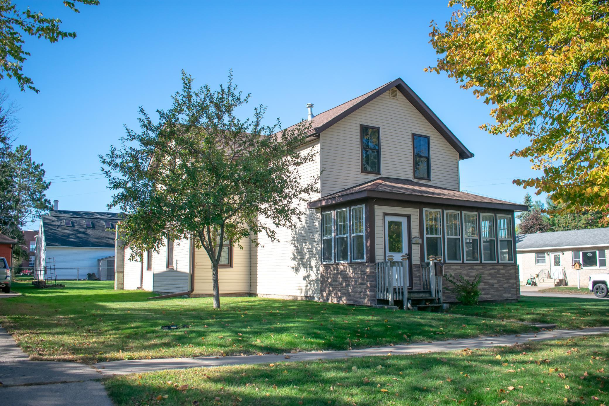 406 2nd Street E Property Photo - Wabasha, MN real estate listing