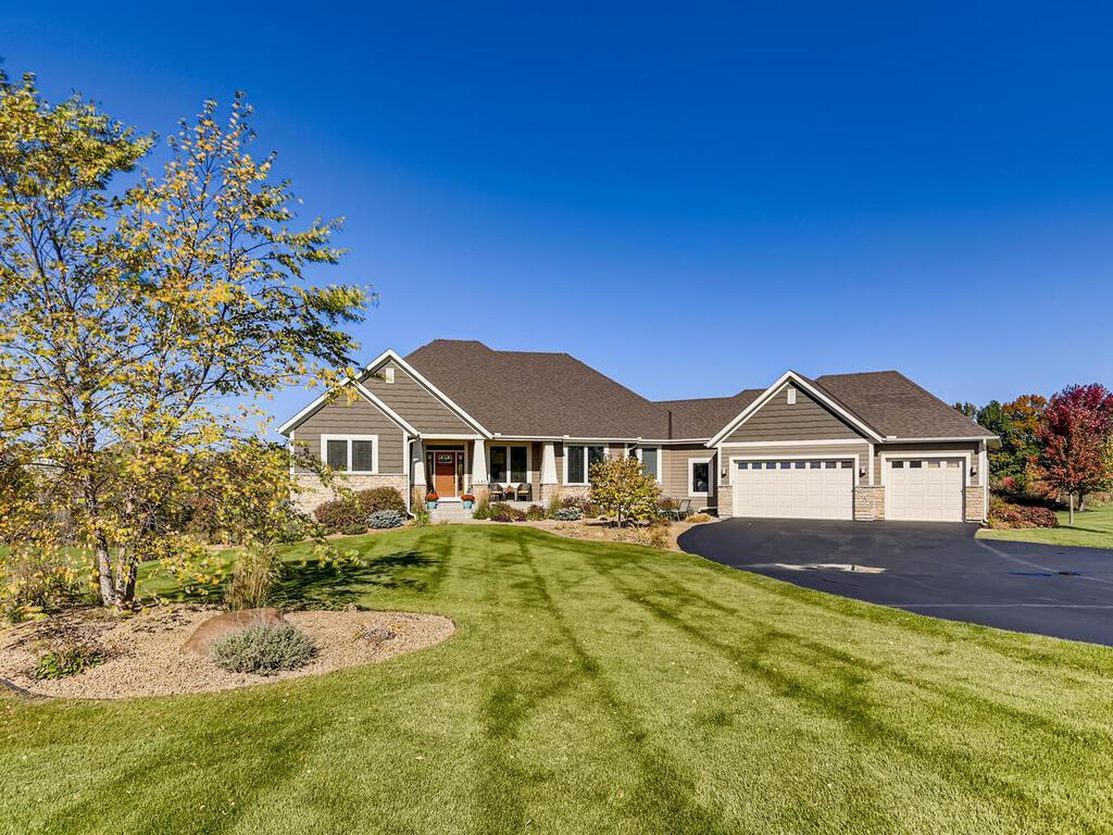 1697 86th Court E Property Photo - Inver Grove Heights, MN real estate listing