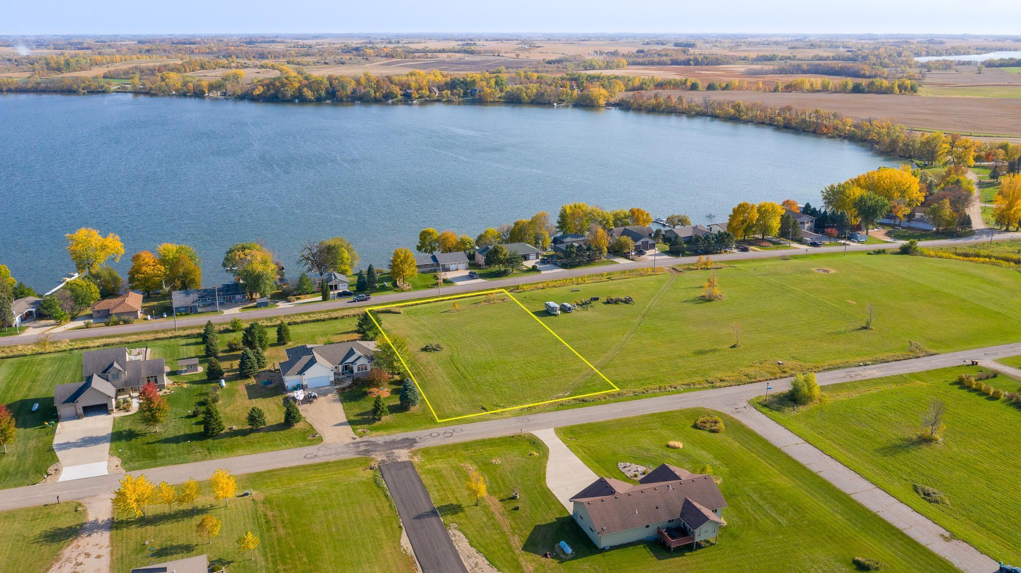19251 Lake Volney Circle Property Photo - Le Center, MN real estate listing