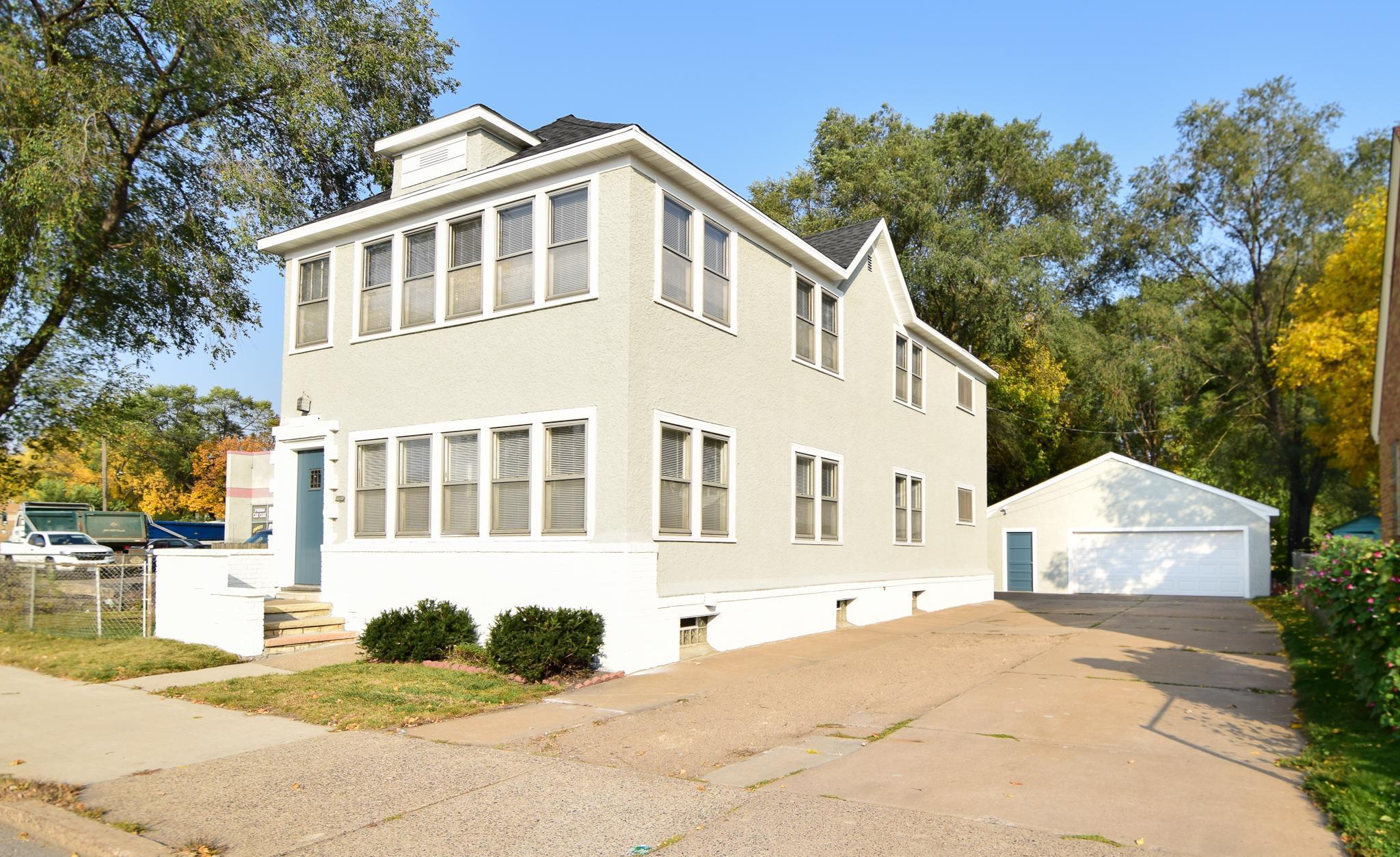 2413 University Avenue NE Property Photo - Minneapolis, MN real estate listing