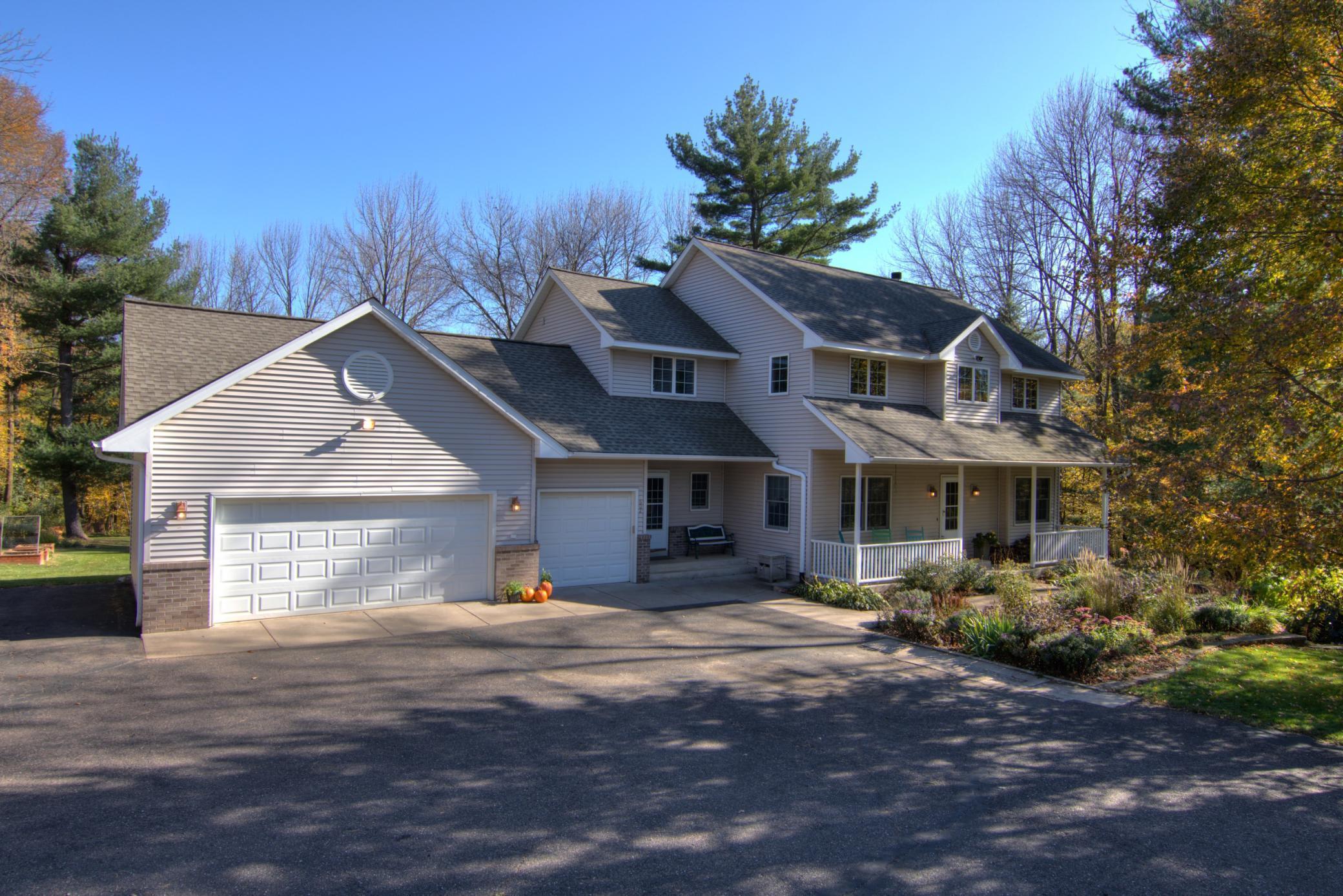 602 Meadow Heights Lane Property Photo - Menomonie, WI real estate listing