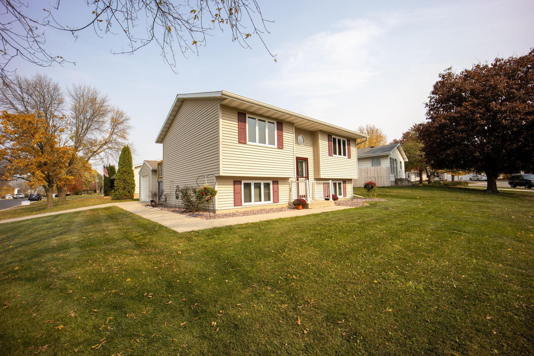 201 Theresa Court SE Property Photo - Stewartville, MN real estate listing