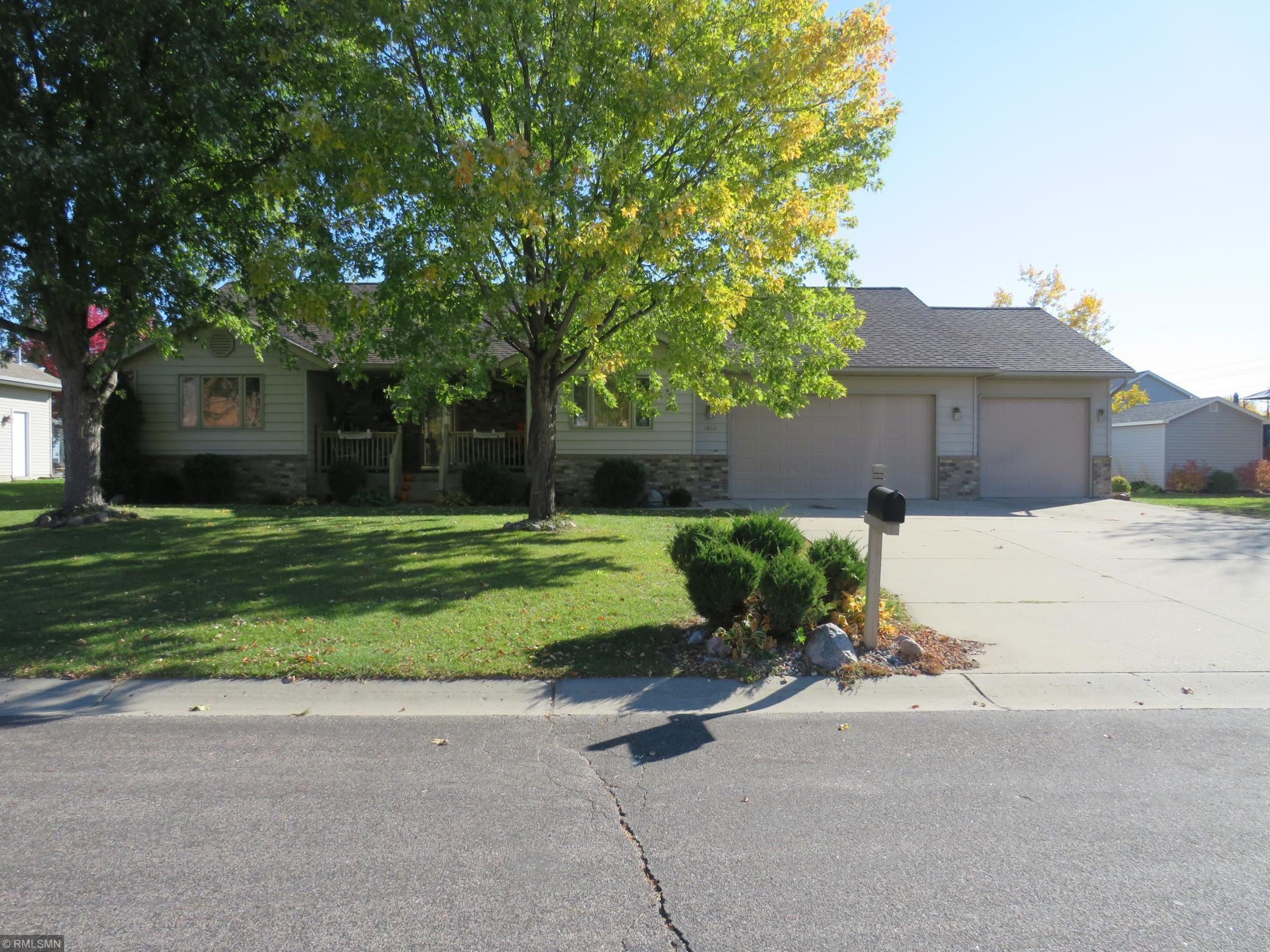 1810 Louden Avenue N Property Photo - Glencoe, MN real estate listing