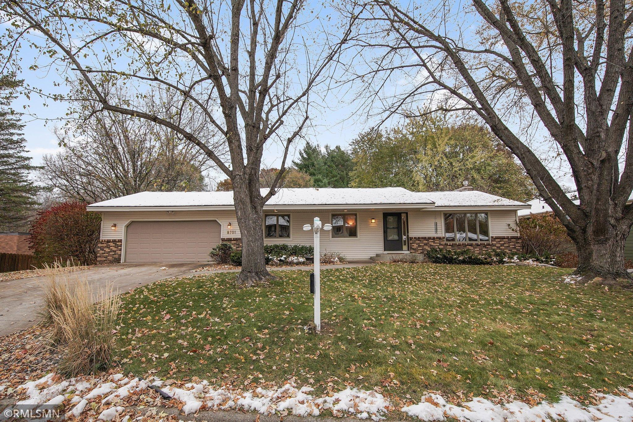 8701 Lakeview Road Property Photo - Bloomington, MN real estate listing
