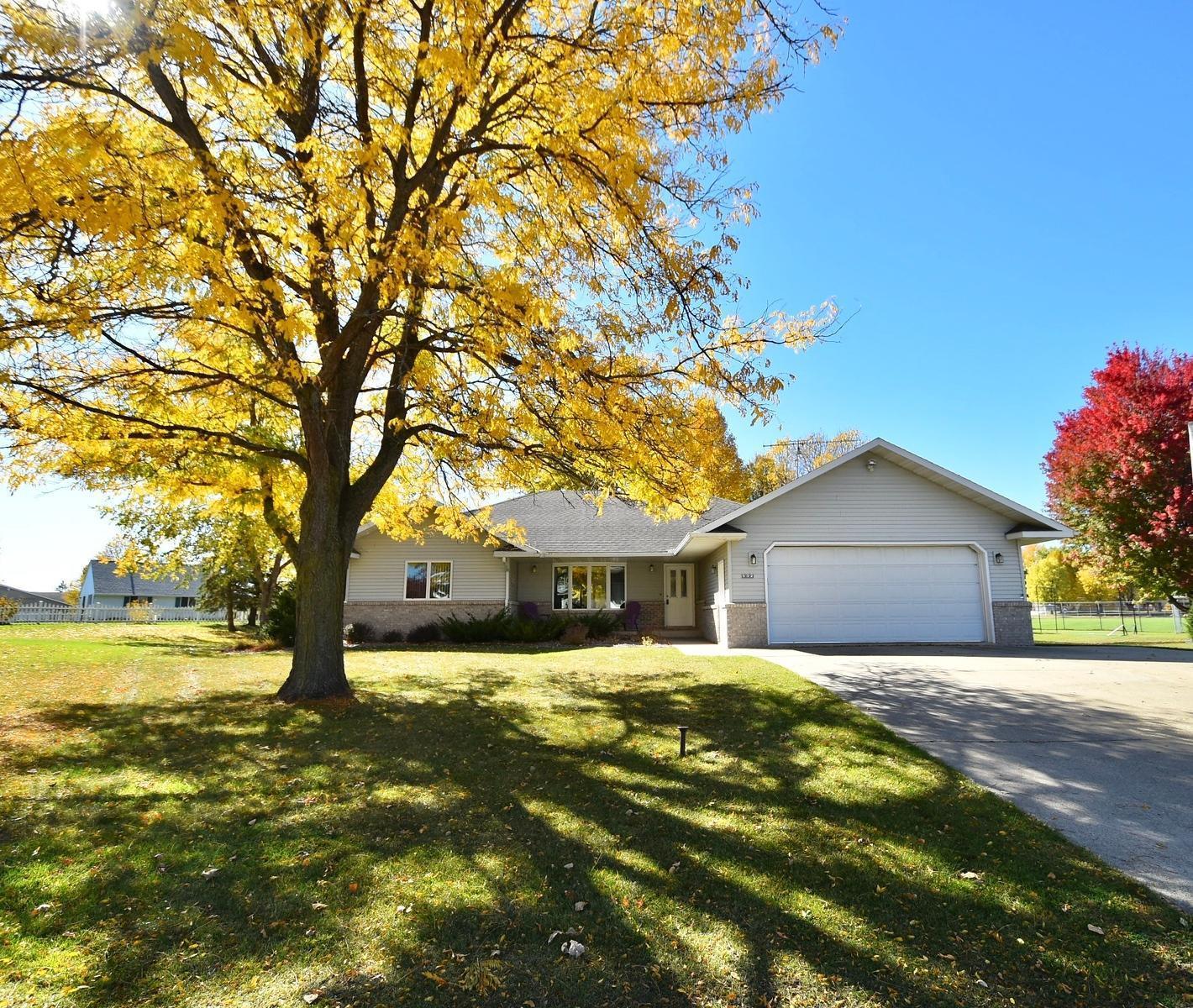 55983 Real Estate Listings Main Image