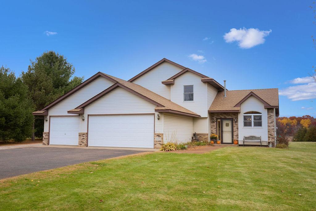 4475 200th Lane NE Property Photo - Wyoming, MN real estate listing