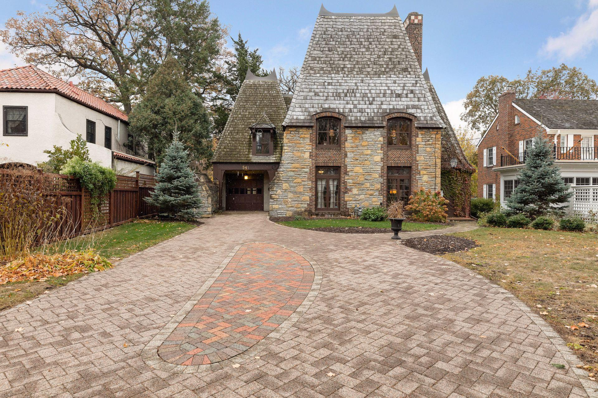 54 Mississippi River Boulevard N Property Photo - Saint Paul, MN real estate listing