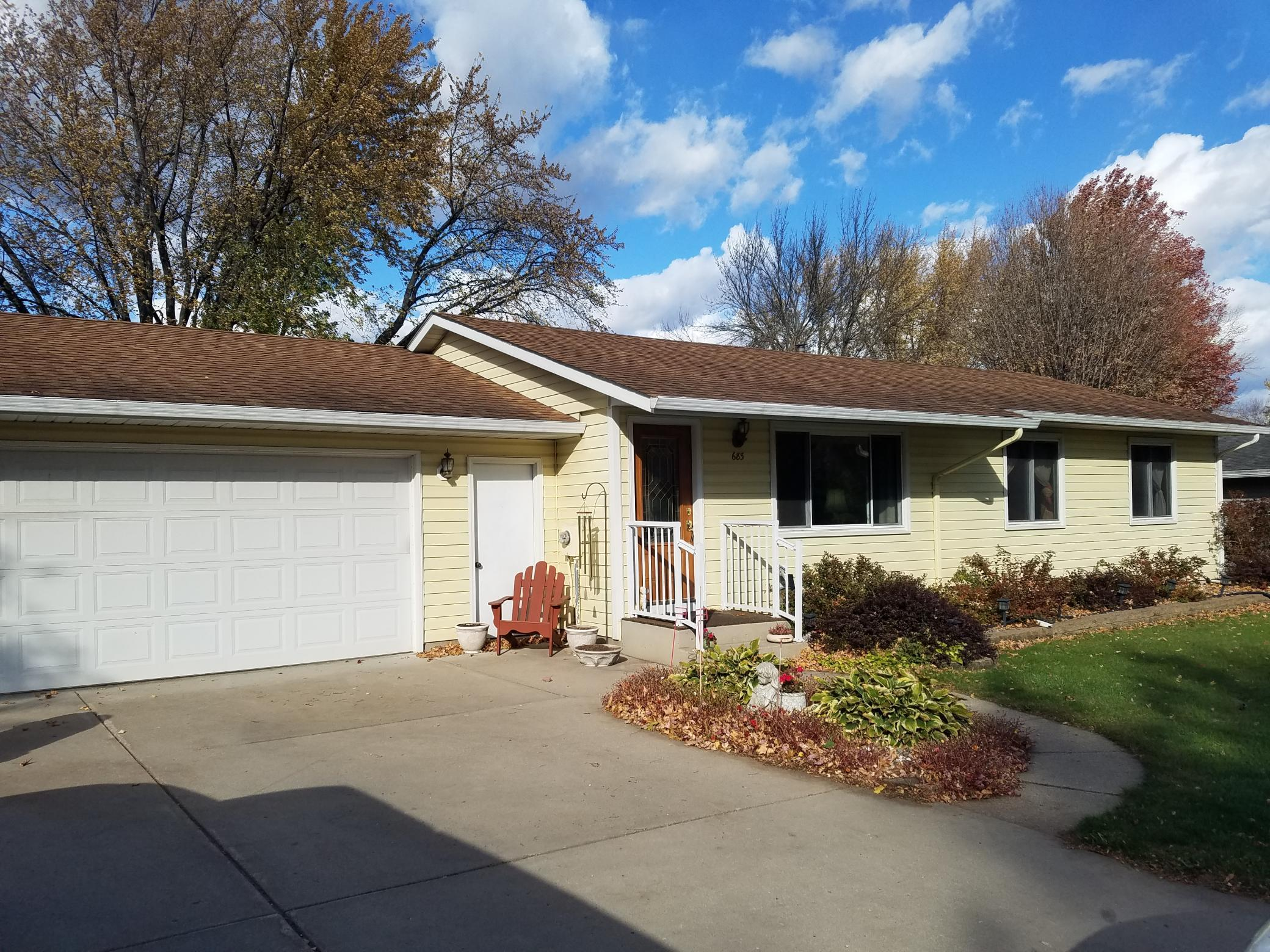 683 Northgate Drive Property Photo - Winsted, MN real estate listing