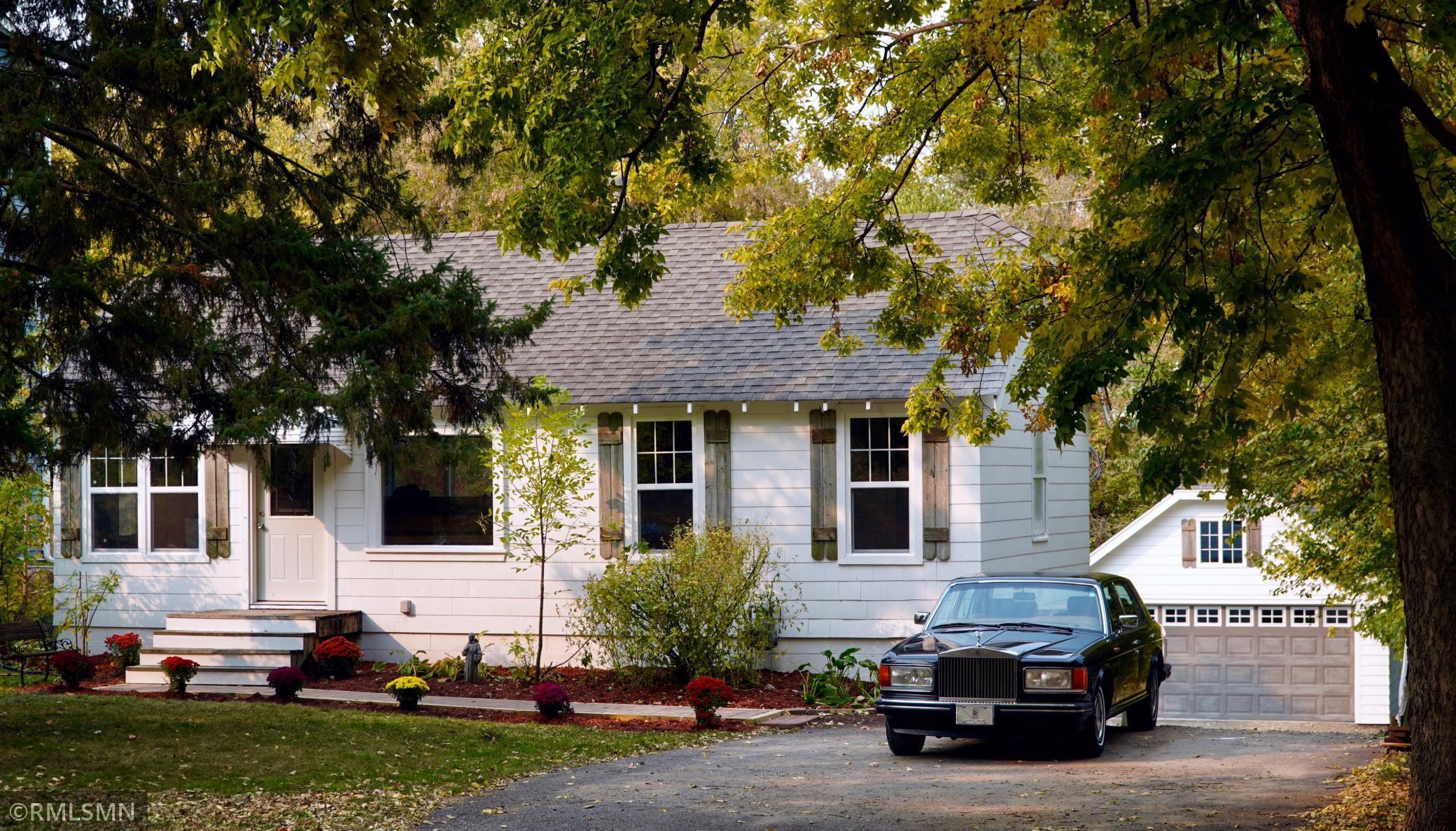 1618 Hampshire Avenue S Property Photo - Saint Louis Park, MN real estate listing