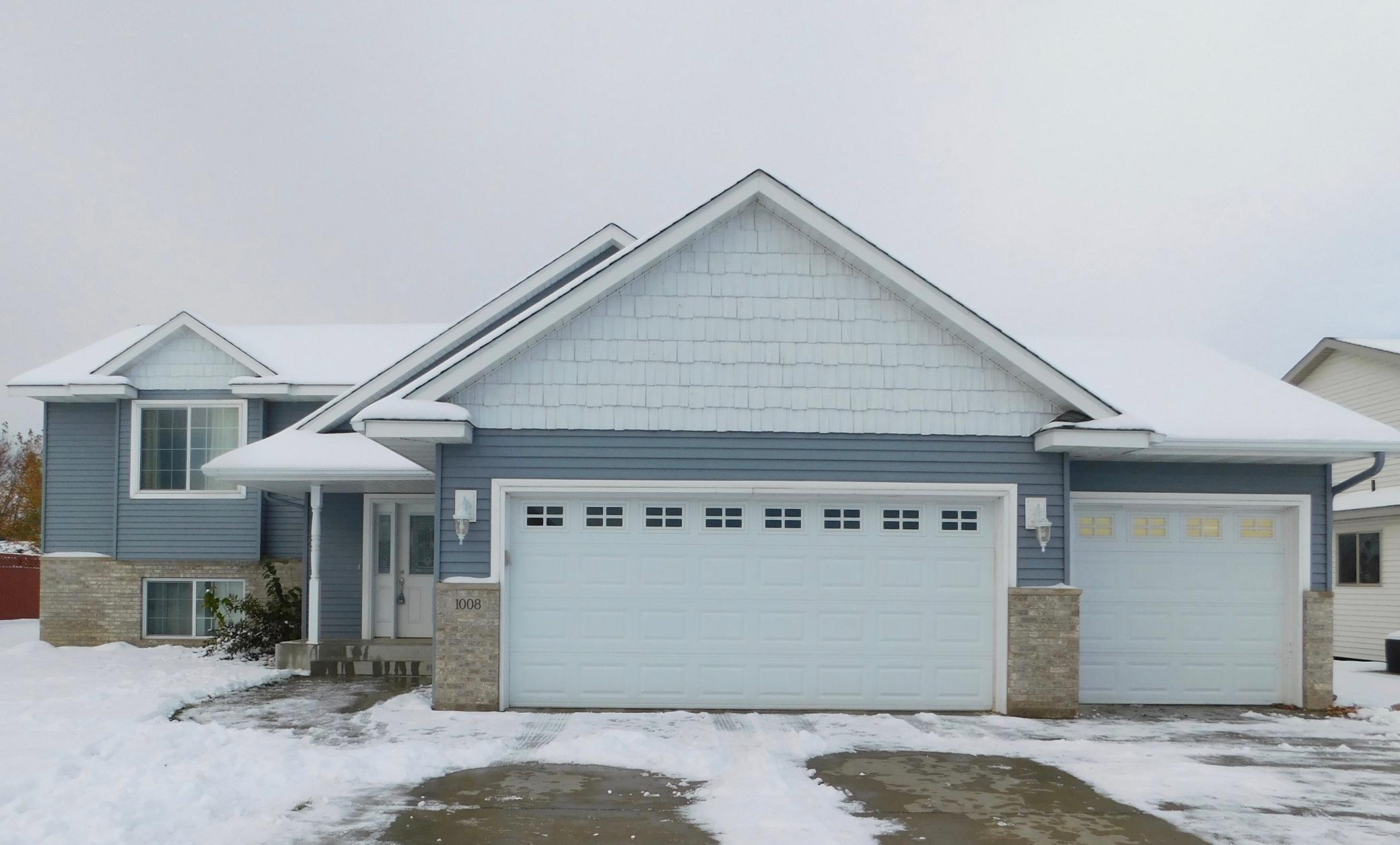 1008 Waters Edge Circle Property Photo - Avon, MN real estate listing