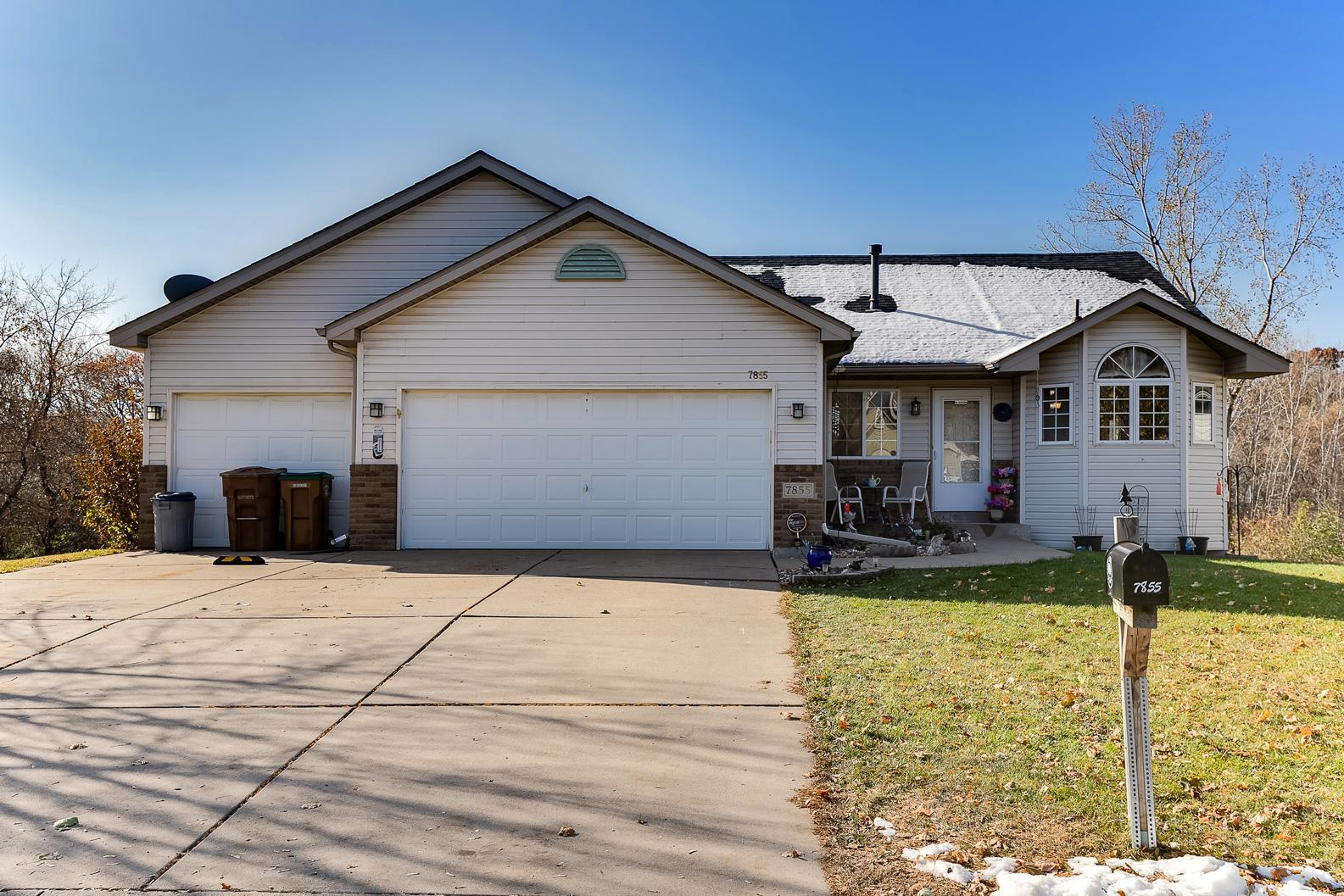 7855 31st Street N Property Photo