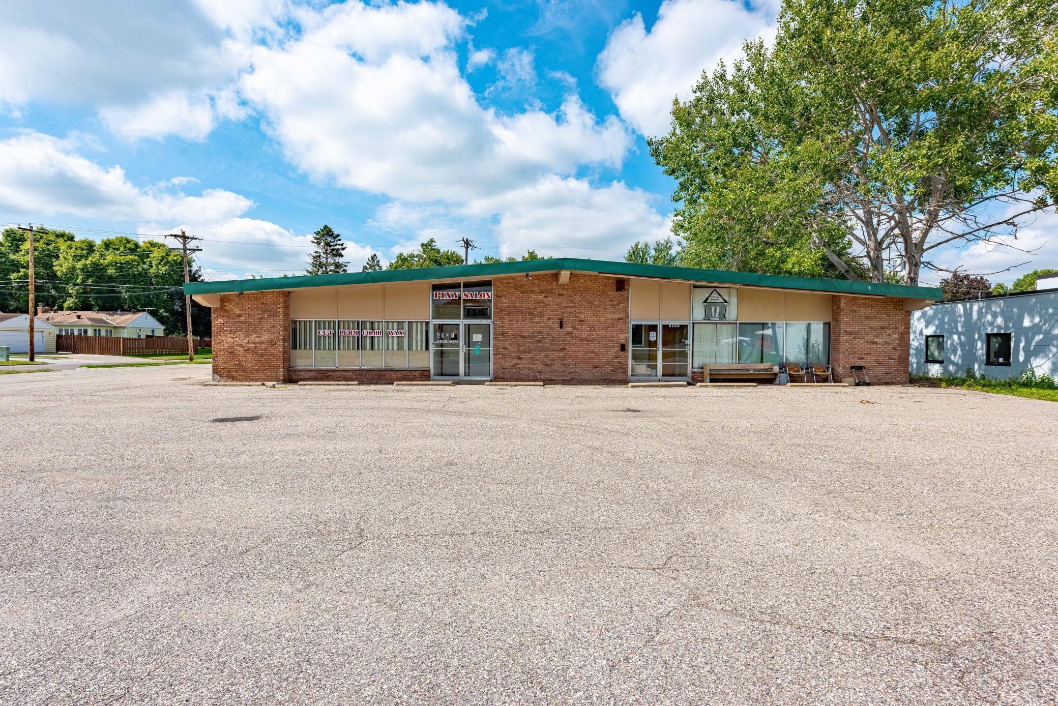4801 Welcome Avenue N Property Photo - Crystal, MN real estate listing