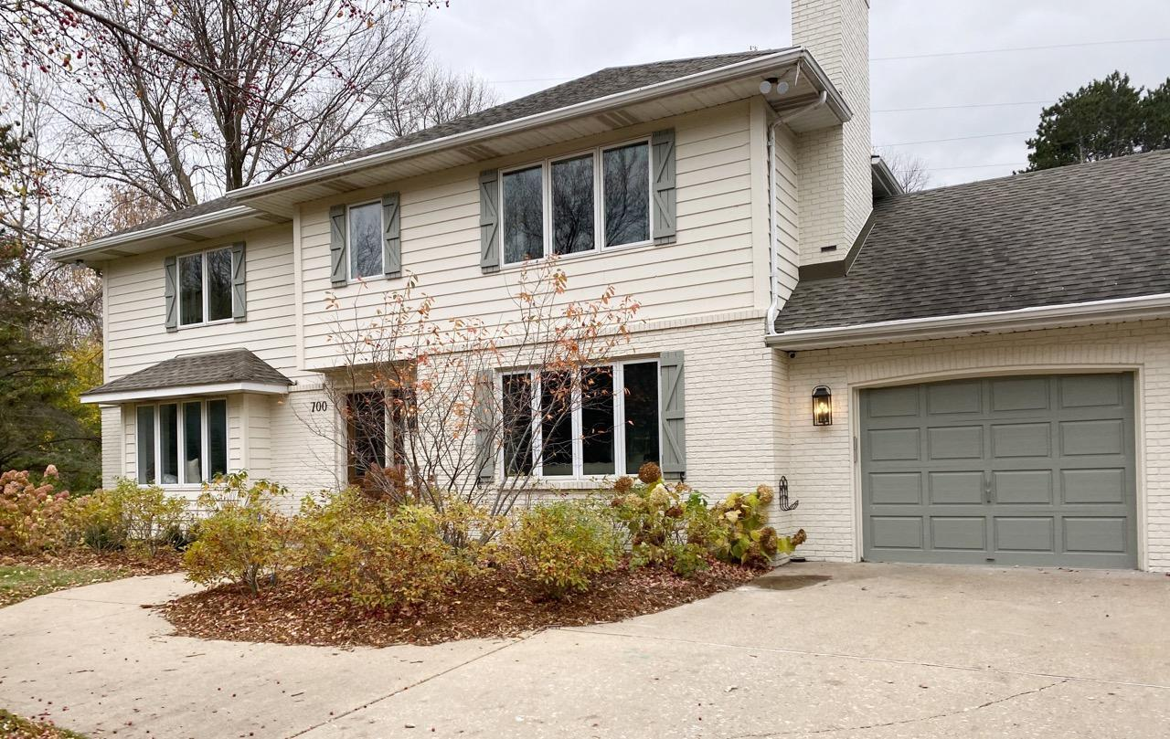 700 Apache Lane Property Photo - Mendota Heights, MN real estate listing