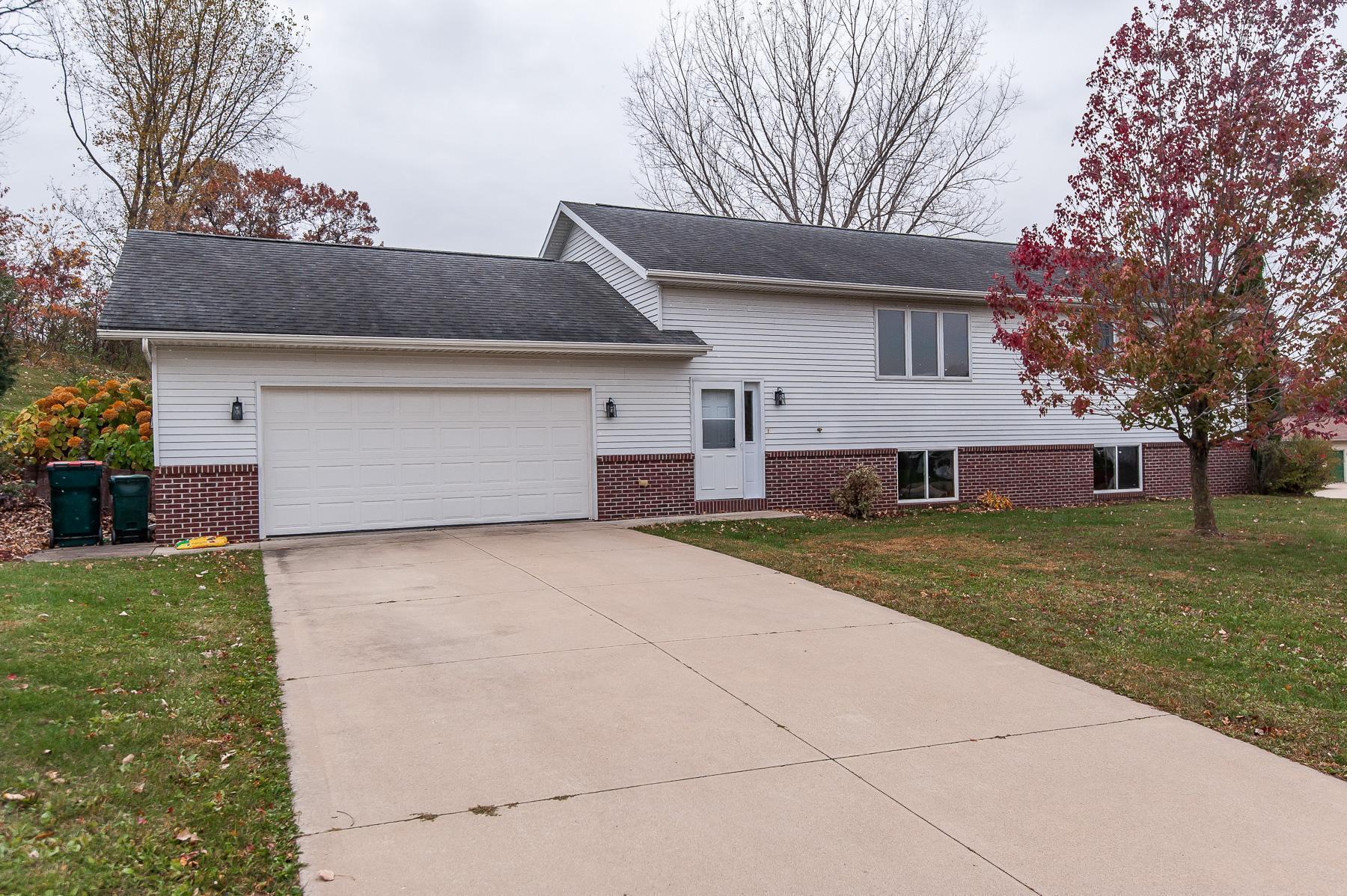 902 E 15th Street Property Photo - Saint Charles, MN real estate listing