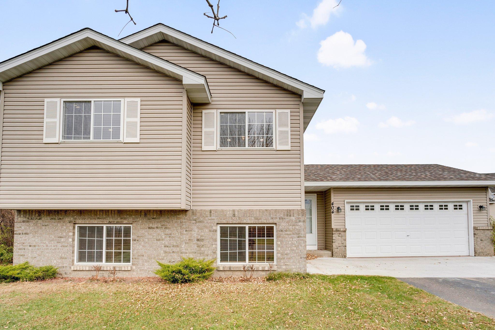 404 Horseshoe Lane Property Photo - Braham, MN real estate listing