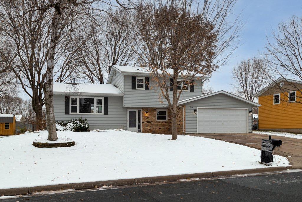 1311 21st Street W Property Photo