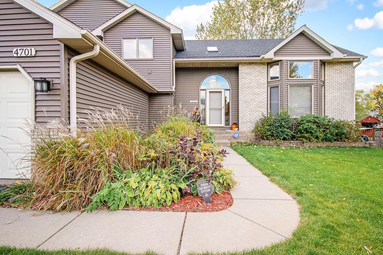4701 Weston Hills Drive Property Photo - Eagan, MN real estate listing