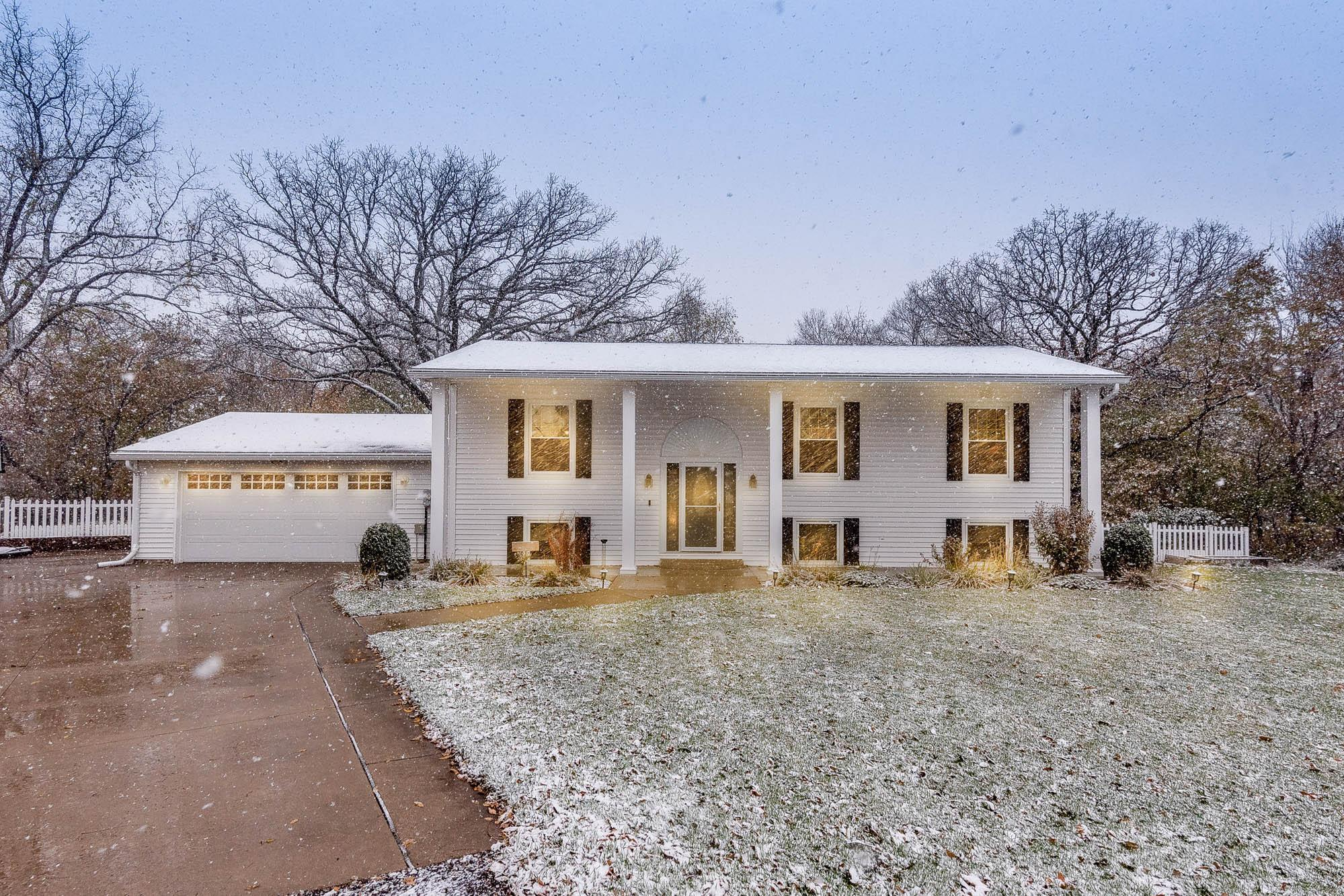 35274 Oak Ridge Road Property Photo - Kasota, MN real estate listing