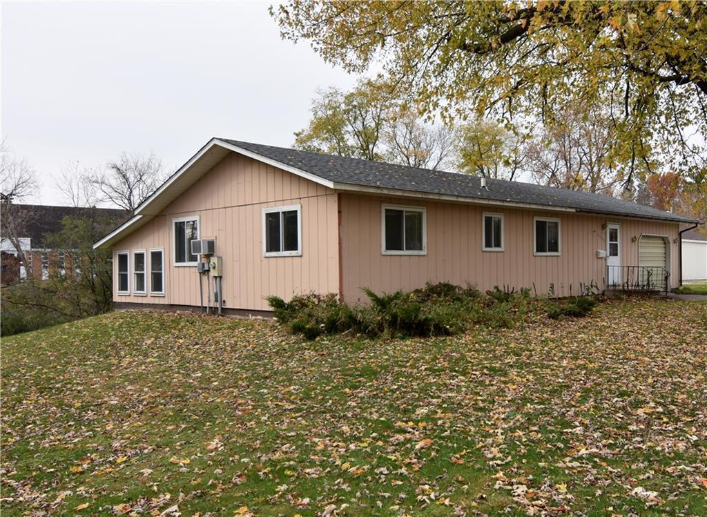 1148 E La Salle Avenue Property Photo - Barron, WI real estate listing