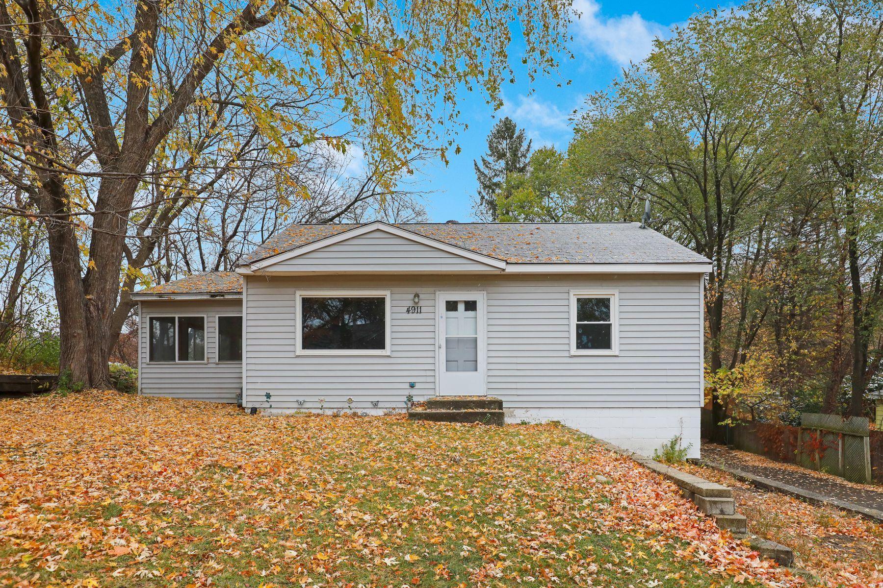 4911 Acorn Ridge Road Property Photo - Minnetonka, MN real estate listing