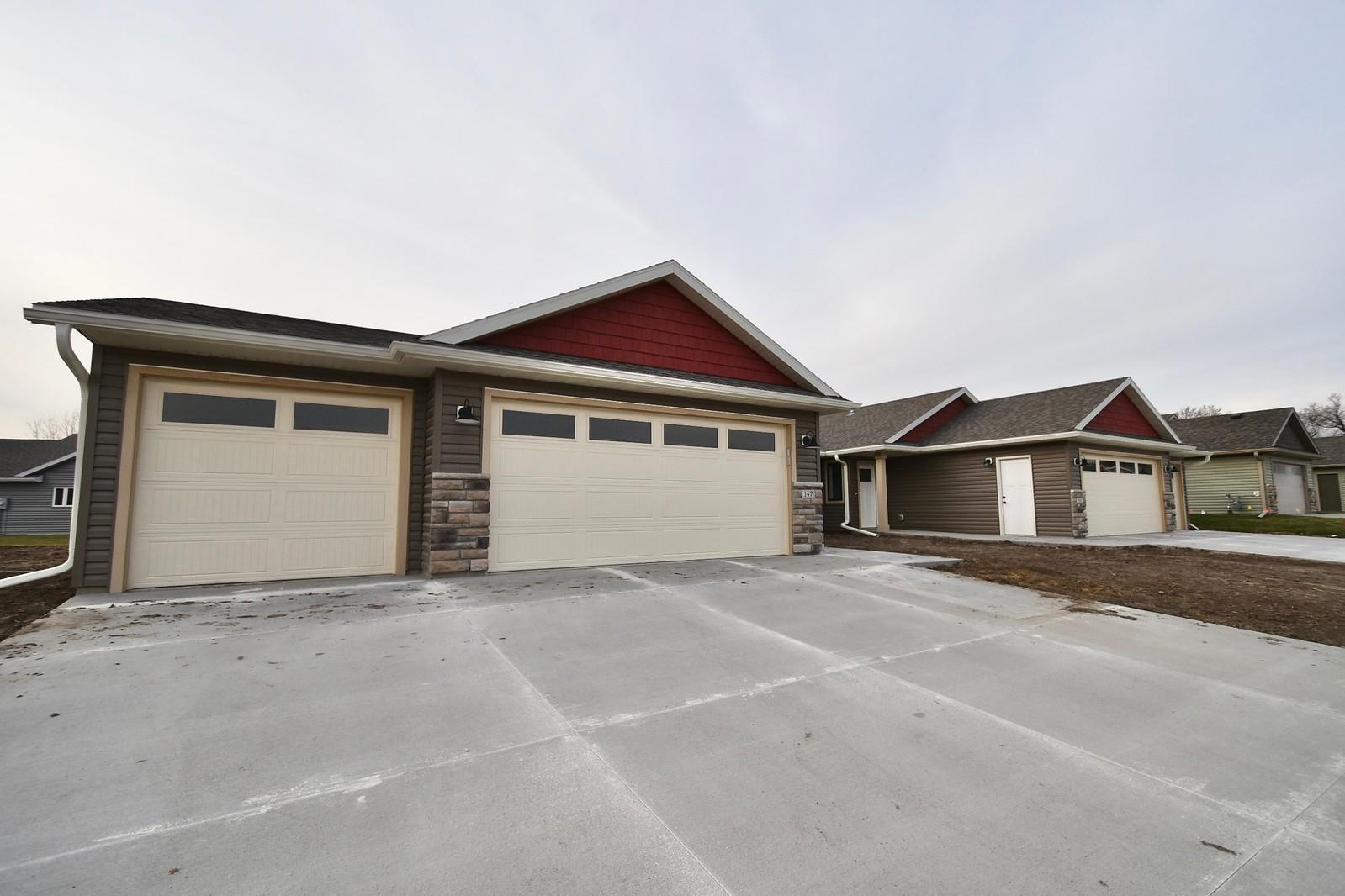 147 Highlands Circle Property Photo - Zumbrota, MN real estate listing