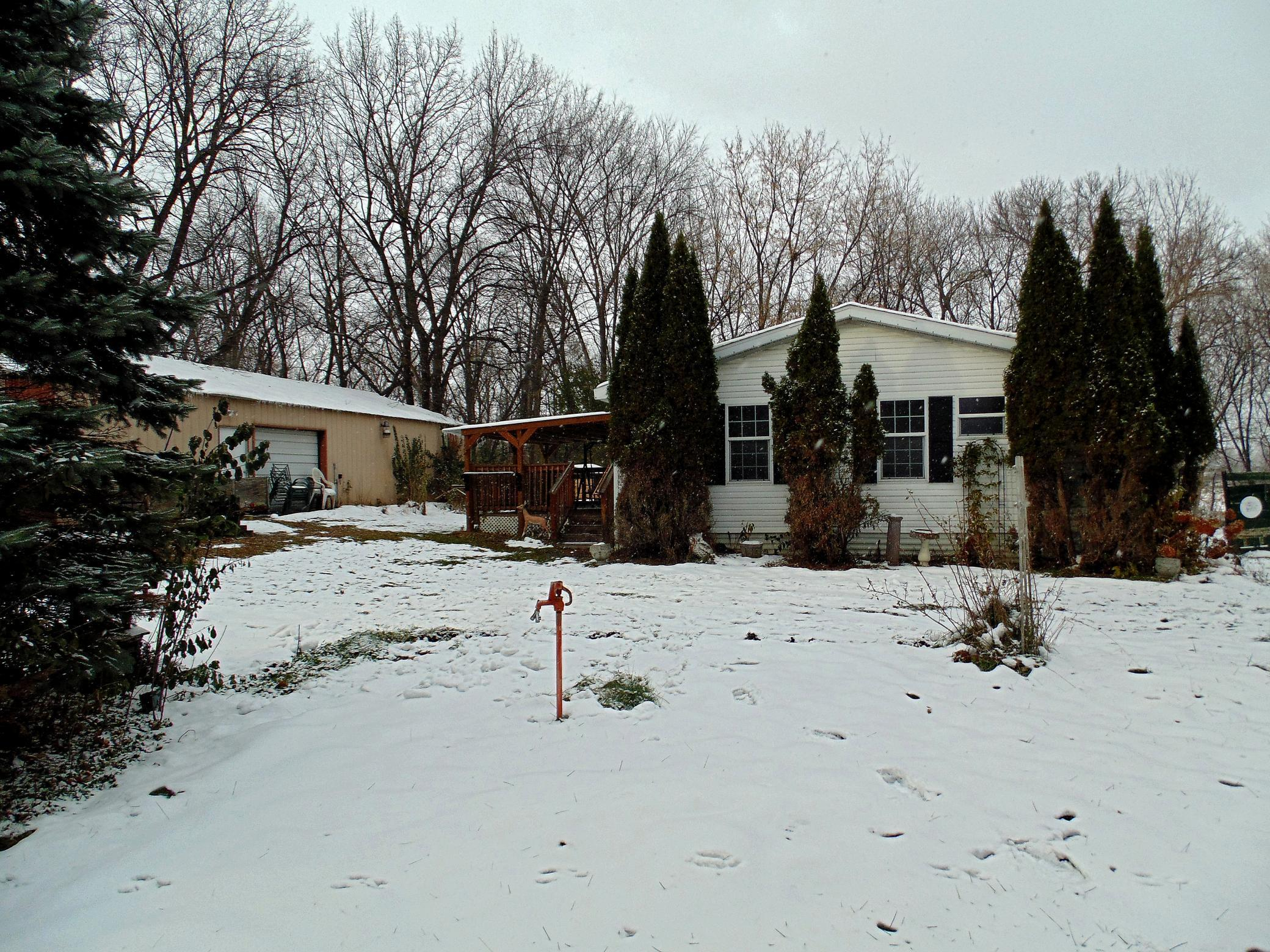 414 42nd Street SW Property Photo - Montrose, MN real estate listing